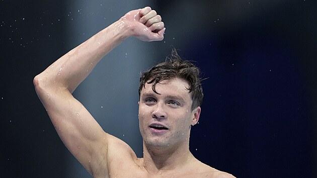 Robert Finke po triumfu na 800 metrů volnı způsob na olympijskıch hrách v Tokiu.