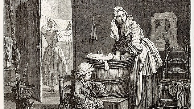 Dlouho se pralo v ruce, v potoce a na valše, poté v pračce s klikou. Vynález automatické pračky nechal na sebe dlouho čekat. Dobová ilustrace