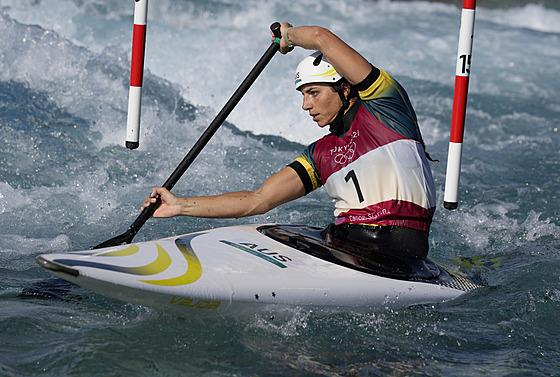 Kanoistka Jessica Foxová z Austrálie během rozjížděk na olympijskıch hrách v...