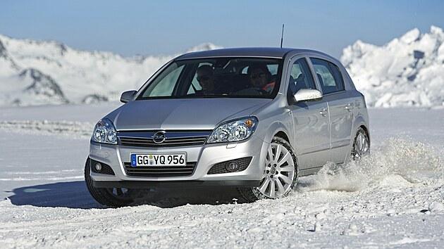 Třetí generaci Astry představil Opel v roce 2004.