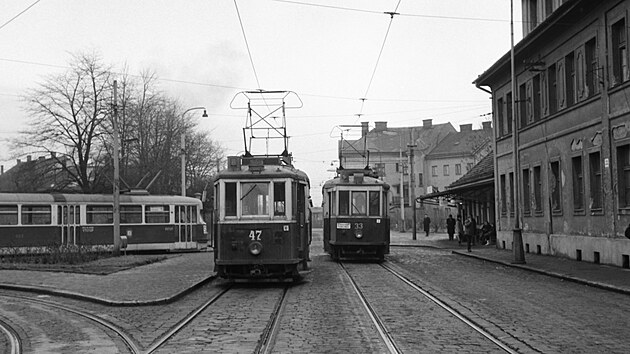 Smyčka Svinov, 26. 12. 1967. Do Kyjovic mohly v té době kvůly absenci obratové smyčky jezdit  pouze starší typy tramvajovıch vozů. GPS: 49.8215089N, 18.2079411E