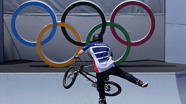 Závod freestyle BMX, v akci je Hannah Robertsová z USA.