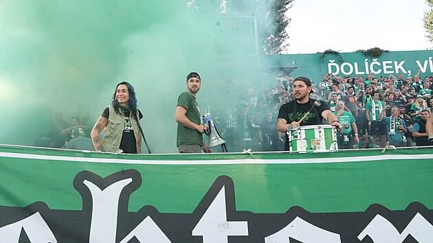 Pohled do sektoru fanoušků Bohemians při ligovém zápase s Plzní.