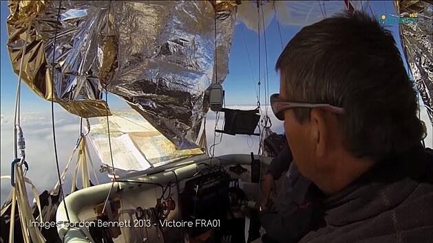Záběry pilotů posádky Francie FRA01 na Poháru Gordona Bennetta 2013