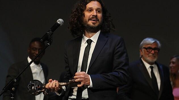 Srbskı režisér Stefan Arsenijević s cenou za nejlepší snímek, vyhrála jeho road movie Strahinja (28. srpna 2021).