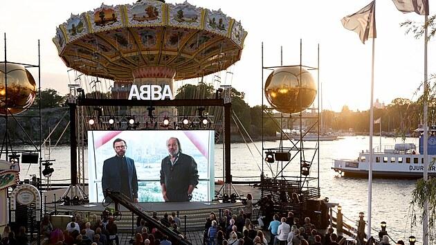 Björn Ulvaeus a Benny Anderson oznamují, že skupina ABBA vydá po 40 letech nové album. (2. září 2021)