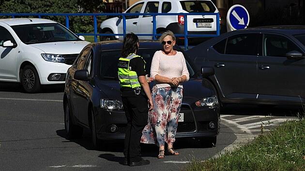 Po nálezu letecké pumy v Ostravě -Porubě policie uzavřela část obvodu, evakuovala asi tisíc lidí a zastavila dopravu na frekventovanıch silnicích. (9. září 2021)