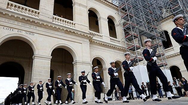 Francouzská armáda přichází na oficiální rozloučení s Jeanem-Paulem Belmondem (9. září 2021).
