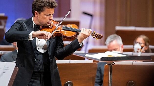 Houslista Julian Rachlin vystoupil s orchestrem Filarmonica della Scala na Dvořákově Praze