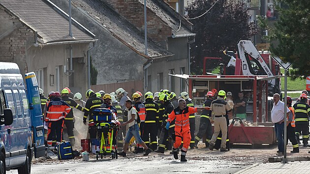 Koryčany na Kroměřížsku otřásla exploze v rodinném domě, která zranila civilisty i dobrovolné hasiče.
