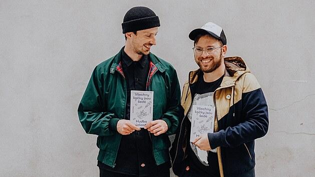 Hudební publicisté Miloš Hroch a Karel Veselı