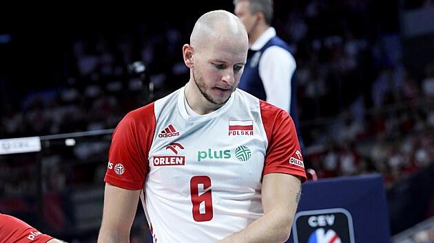 Polskı volejbalista Bartosz Kurek v evropském čtvrtfinále