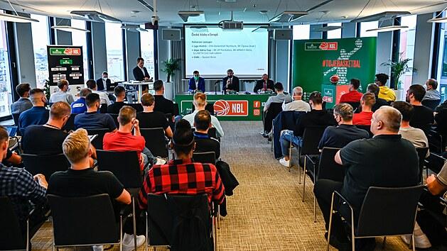 Momentka z tiskové konference Kooperativa NBL