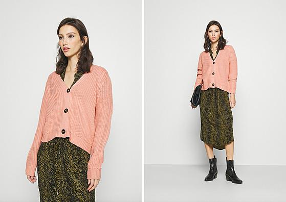 Propínací svetr se hodí nejen k džínsům a volnım kalhotám, ale i k sukním a...