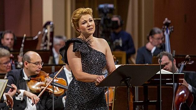 Sopranistka Kateřina Kněžíková vystoupila na Dvořákově Praze s Bamberskımi symfoniky.