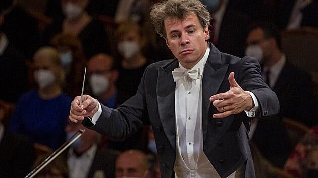 Dirigent Jakub Hrůša řídil na Dvořákově Praze Bamberské symfoniky.