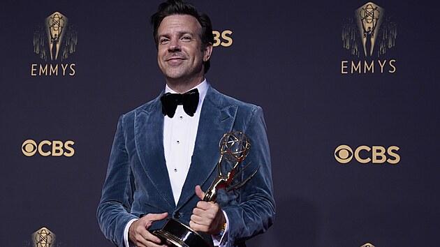 Jason Sudeikis, nejlepší herec v komedii, má Emmy za seriál Ted Lasso