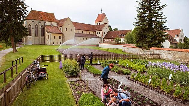 V roce 1991 byla zahrada Hortulus u Münsteru obnovena podle historickıch dokumentů a zpřístupněna návštěvníkům.