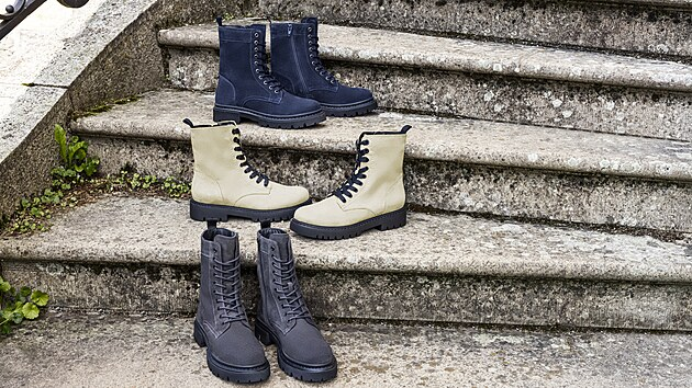 Modré, béžové, šedé nebo černé, lakované i matné, v délce nad či pod kotníky, v minimalistickém nebo naopak nápaditém pojetí. Díky vysoké poptávce po šněrovacích botách, najdeme v kolekcích nespočet druhů této pohodlné a stylové obuvi.