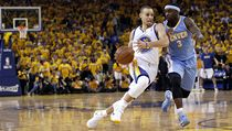 Basketbalista Golden State Warriors Stephen Curry (vlevo) a Ty Lawson z Denveru Nuggets | na serveru Lidovky.cz | aktu�ln� zpr�vy