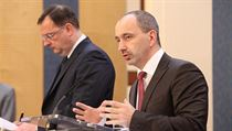 Trade and Industry Minister Martin Kuba (right) spells out the strategy to seek more sales outside the EU; PM Petr Nečas (left) hinted that with EU countries slipping into recession and others on the brink, the move is overdue