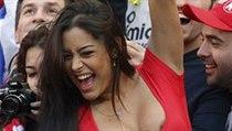 Asi nejproslulejší fotbalová fanynka Larissa Riquelme. Paraguay letos na MS...