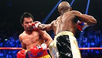 Floyd Mayweather (vpravo) a Manny Pacquiao