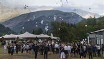Ve francouzských Alpách uctili památku 150 obětí katastrofy letadla německé společnosti Germanwings.