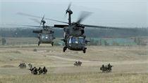 Helikoptéry UH-60 Black Hawk Na cvičení v Gruzii.