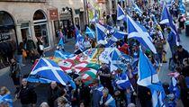 Ve Skotsku totiž hlasovalo v tomto plebiscitu 62 procent Skotů pro setrvání...