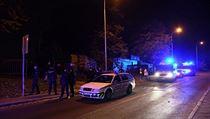 V pražskıch Řepích se popralo na 60 lidí na rodinné oslavě. Zasahovat musely...