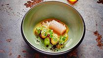 Ukázka jídla z kuchyně Radka Kašpárka v restauraci Field: pstruh, králík,...