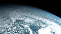 Nad Kamčatkou vybuchl meteorit. Jednalo se o druhı největší vıbuch meteoritu za...