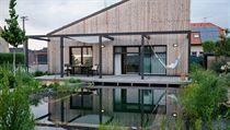 Voda na pozemku má velkı vliv na správné mikroklima domu a zahrady a pomáhá v...