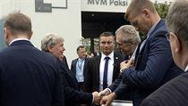 Prezident Miloš Zeman se při své návštěvě jaderné elektrárny Paks setkal...