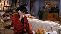 Jedna z mnoha scén seriálu, která se odehrává v bytě Moniky