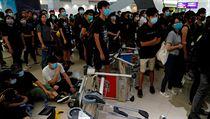 Aktivisté na letišti protestují již pátı den. Od pondělí vyjadřují nesouhlas i...