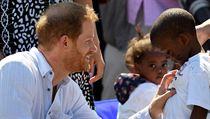 Britskı princ Harry s chotí Meghan a synem Archiem v pondělí dorazili do...