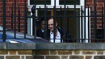 Dominic Cummings opouští Downing Street