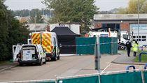 Místo v průmyslové zóně Waterglade na jihovıchodě Anglie, kde britská policie...