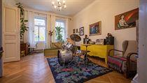 Obıvacímu pokoji dominují bicí