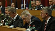 Andrej Babiš a Miloš Zeman na velitelském shromáždění.