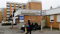 Berlínská klinika Schlosspark, kde byl ubodán lékař Fritz von Weizsäcker, syn...