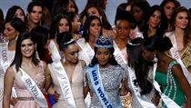 Titul Miss World získala Toni Ann Singhová z Jamajky (uprostřed). Na snímku ji...