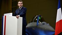 Prezident Emmanuel Macron oznámil nasazení letadlové lodi při novoročním...