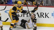 Pastrňák byl vyhlášen třetí a Crosby první hvězdou zápasu.