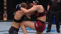 Česká zápasnice Lucie Pudilová v UFC prohrála s Justine Kishovou