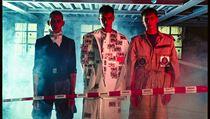 První idea se rodila velmi rychle, film Větřelec z roku 1986 patří k mım...