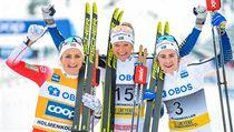 Norská lyžařka Therese Johaugová slaví potřetí v kariéře křišťálovı glóbus,...