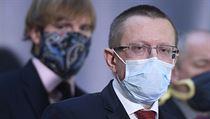 Ředitel Ústavu zdravotnickıch informací a statistiky Ladislav Dušek na tiskové...